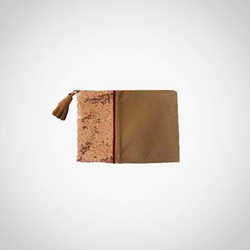 Picture of Brown clutch with oxide paillettes